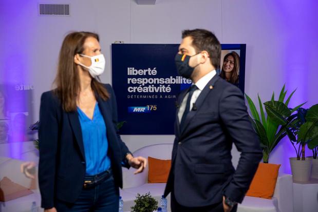 """Le Covid Safe Ticket obligatoire en Wallonie dès la mi-octobre - le MR """"reste réticent"""""""