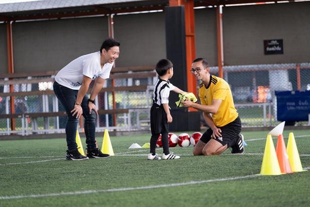 Belg in het buitenland: Jonas Deman (28) werkt als jeugdtrainer in de Juventus Academy Thailand