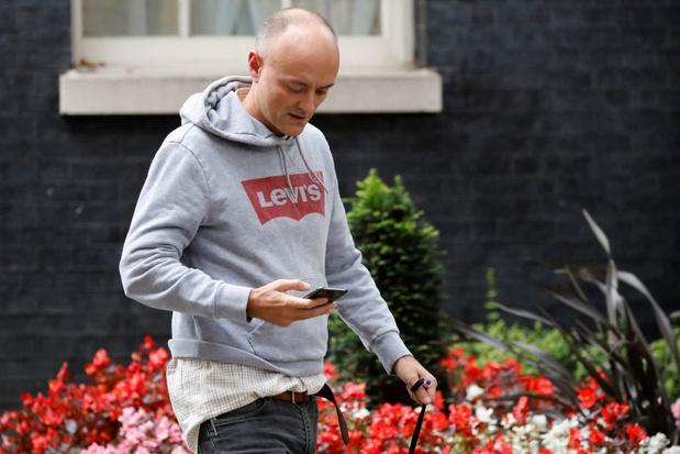 Voormalig topadviseur Cummings maakt bezwarende Whatsappberichten van premier Johnson openbaar