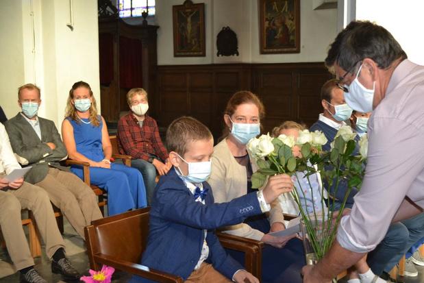 Bloemen voor Kato tijdens vormselvieringen in Deerlijk