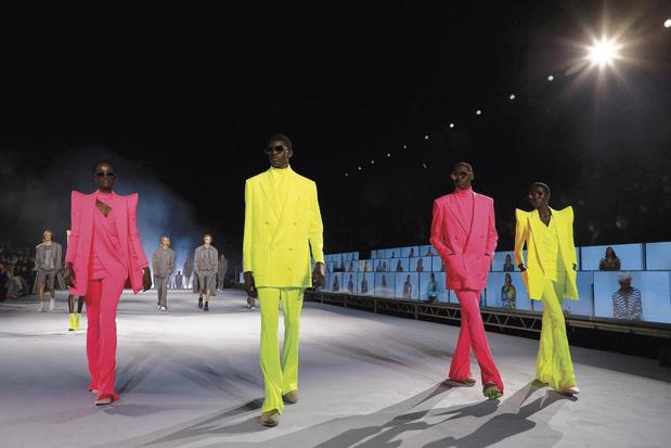 Une note d'espoir dans une année pourrie: la mode poursuit sa mue, moins mais mieux