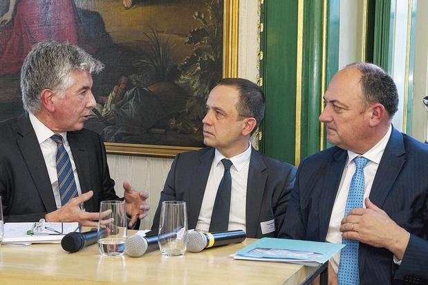 Philippe Destatte et Willy Borsus au Cercle de Wallonie