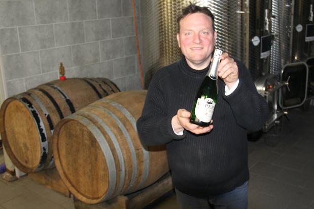 Gulle wijnbouwer vindt distilleerderij voor aanmaak ontsmettingsalcohol