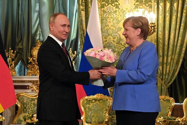 'Volgens Merkel is een compromis altijd beter dan een conflict. Ook als het om Rusland of China gaat'