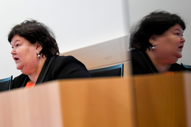 'Nog stevig discussiëren': Kamer keurt aanbevelingen coronacommissie pas in september goed