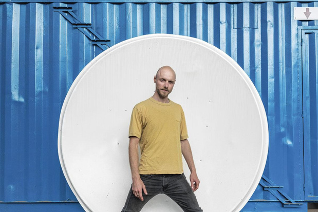 """""""Parfois, je me sens comme un politicien"""": le portrait de Sep Verboom, designer gantois"""