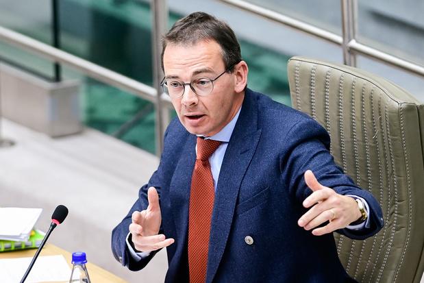 Oppositie vraagt snelle ingrepen tegen personeelstekort woonzorgcentra