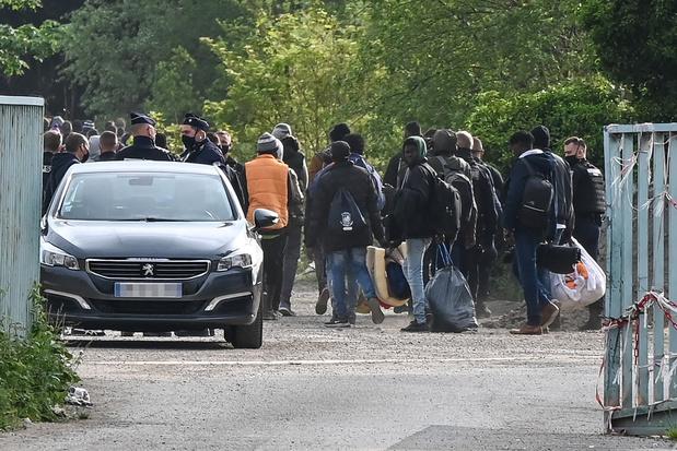 Franse politie ontruimt migrantenkamp in Calais