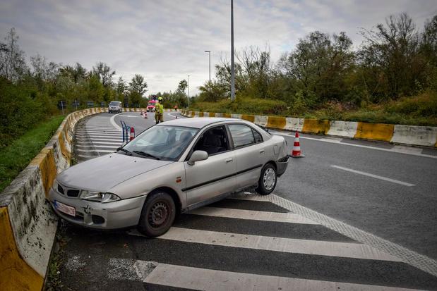 Automobiliste slipt in Kortrijk op nat wegdek