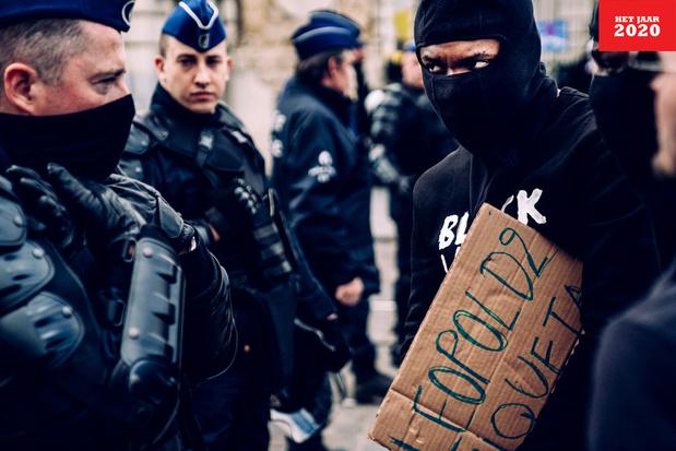 Criminologe Els Enhus (VUB): 'De politie moet werken aan haar communicatievaardigheden'