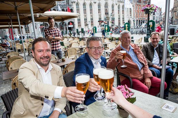 Brugse burgemeester Dirk De fauw weer aan het werk na de aanslag
