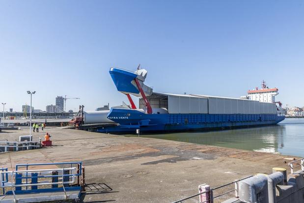 Installatie voorlopig grootste windpark op zee gestart in Haven Oostende