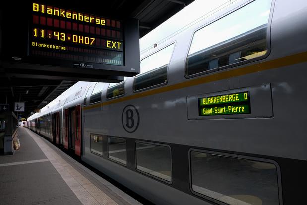 'Wat te denken van de roekeloze plannen om verder te privatiseren in het openbaar vervoer en de zorg?'