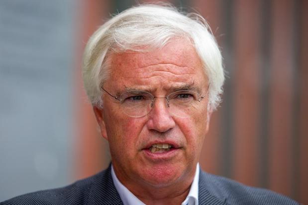 West-Vlaamse gouverneur zal sluiting van niet-essentiële winkels strikt toepassen