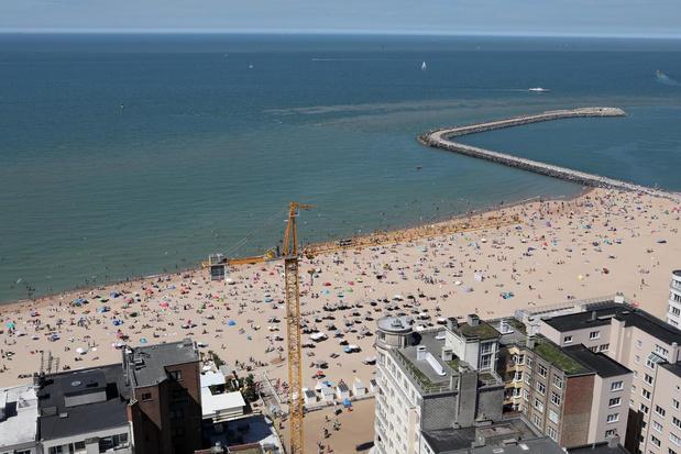 Al veel volk donderdag op Oostendse strand