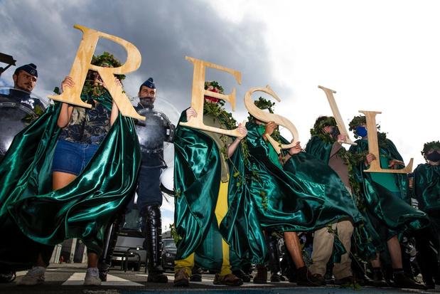 60-tal milieuactivisten opgepakt in Brussel
