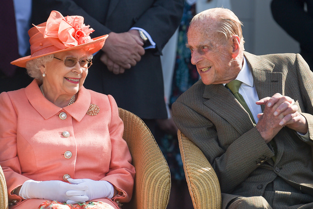 'Prins Philip is de enige man in de wereld die de queen behandelt als een mens. In en in triest, toch?'