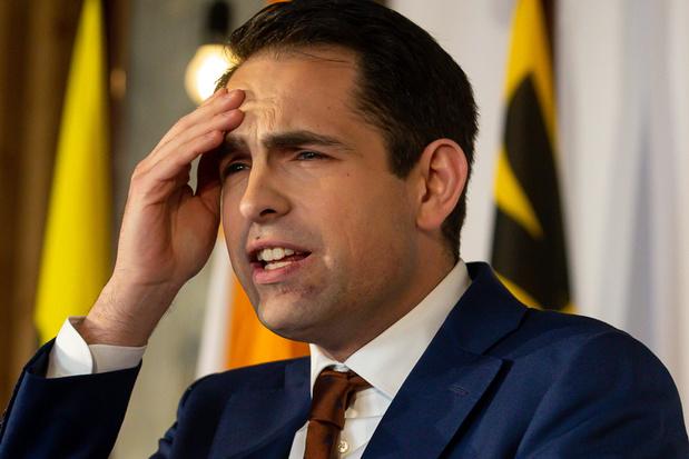 Peiling toont weinig evolutie: Vlaams Belang blijft de grootste, met licht verlies - PVDA stijgt
