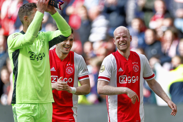 Ajax officieus kampioen, ADO Den Haag op weg naar degradatie