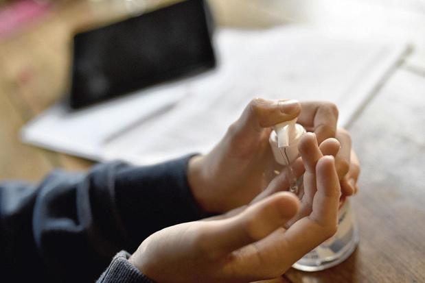 Gels désinfectants, matériels réalisés par des entreprises ou des particuliers : point sur l'approvisionnement du matériel