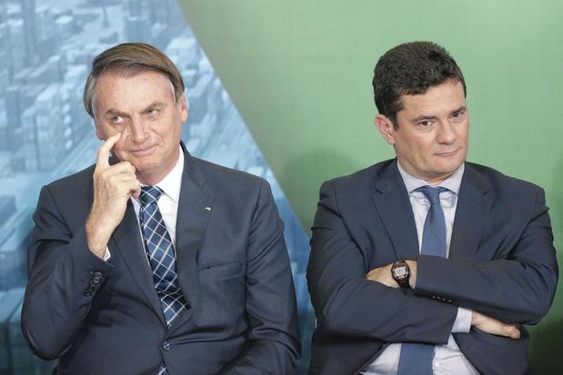 Au Brésil, Bolsonaro perd de son assurance: le pouvoir pourrait-il vaciller?