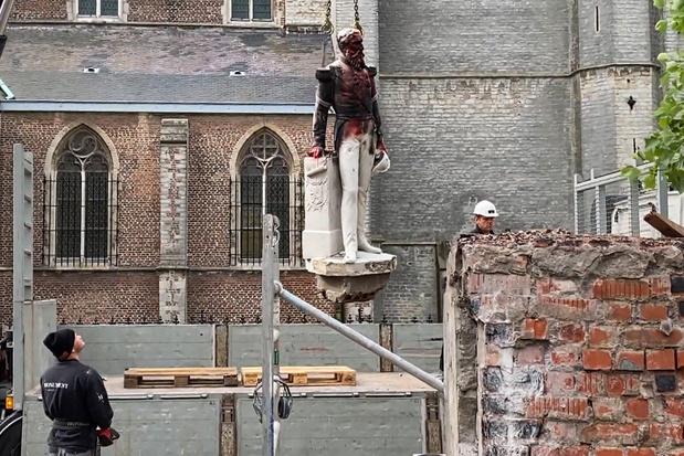 'Als we alle standbeelden moeten neerhalen die een link hebben met slavernij, blijven er niet veel over'
