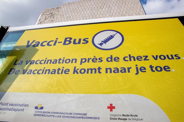 'Helpen in een vaccinatiecentrum? Opgelet voor de fiscale gevolgen'