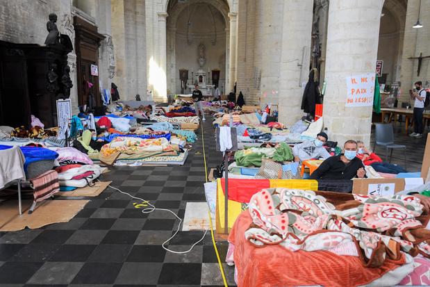 Staatssecretaris Mahdi richt neutrale zone in op wandelafstand van Begijnhofkerk