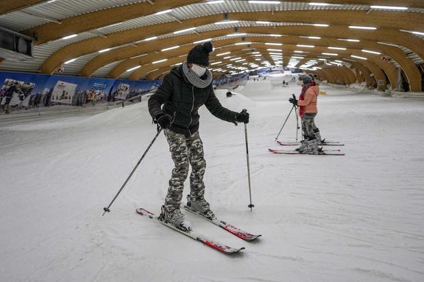 Tijdens de hittegolf gaat onze vrouw... skiën