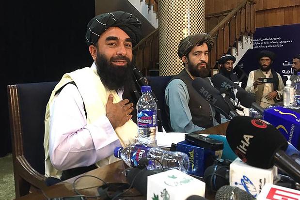 Eerste persconferentie taliban: 'Meisjes mogen naar school en universiteit blijven gaan'