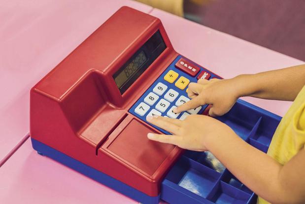 Hoe leer je kinderen omgaan met geld?