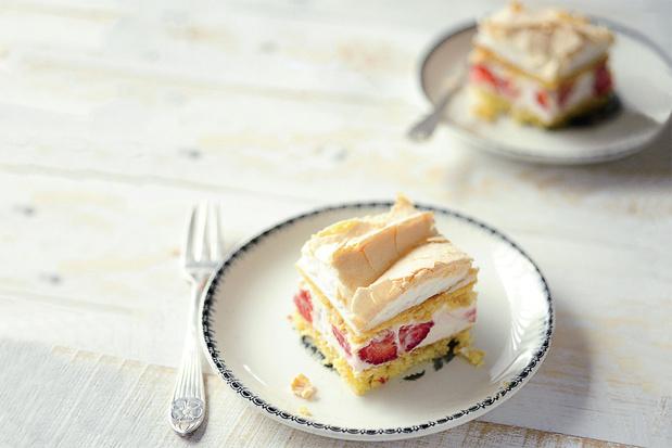 Aardbeiencake met meringue
