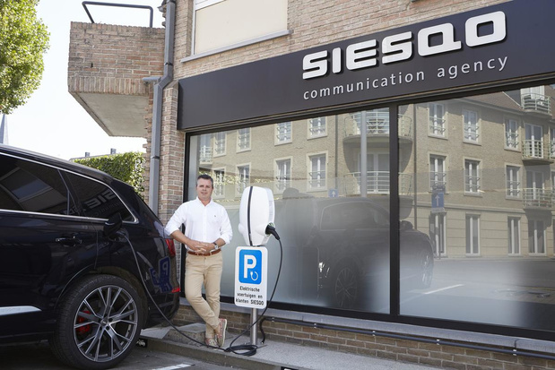 Nieuwe laadpaal voor elektrische wagens in centrum