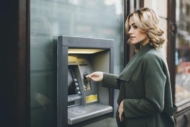 Belgen hebben steeds minder cash op zak