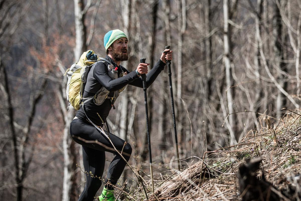 Ultraloper Karel Sabbe doet het weer: 22 jaar oud record sneuvelt na 37 uur in bergen