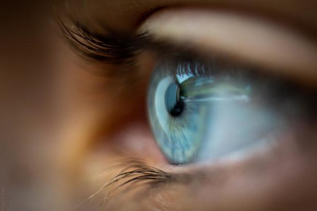 Waarom begint een ooglid soms te trillen?