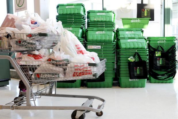 Canada verbiedt eind 2021 plastic zakken en rietjes