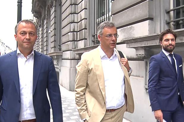 Coens, Bouchez en Lachaert voeren druk op SP.A op: 'Zweeds niet meer aan orde'