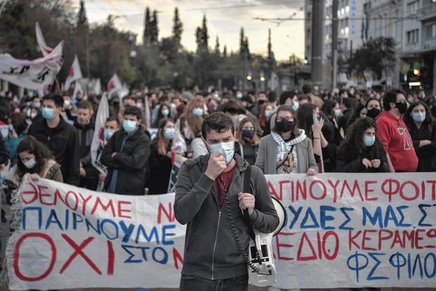 """Dans les universités grecques, """"surveiller et punir"""""""