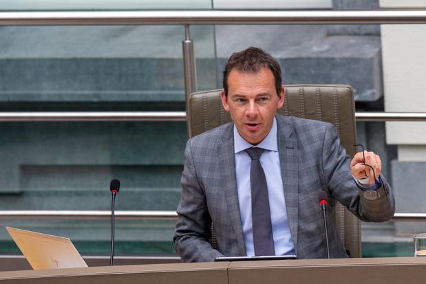 Wouter Beke (CD&V) pareert kritiek op besparing Groeipakket