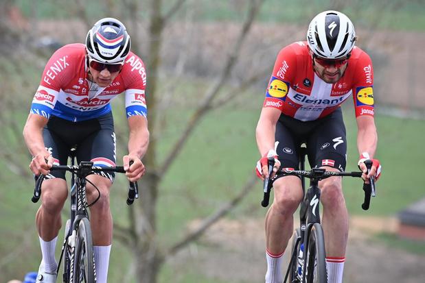 Mathieu van der Poel evenaart vader Adrie, maar niet Eddy Merckx