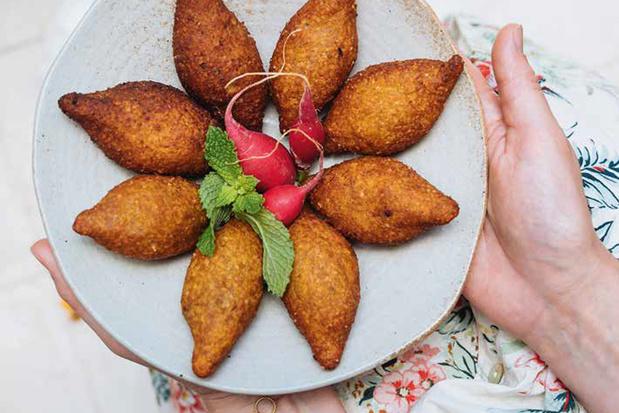 Pompoenkibbeh met ui, meer pompoen & za'atar