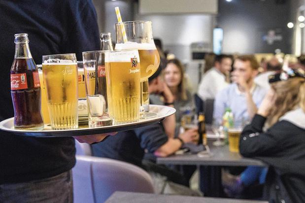 La longue attente des bars et restos