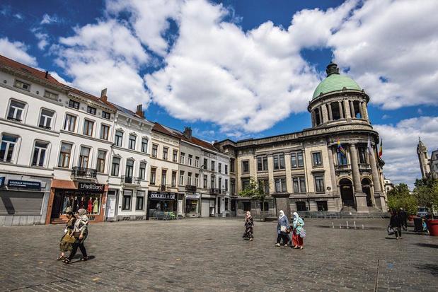 Molenbeek : une motion ouvre la voie au port de signes convictionnels dans l'administration communale