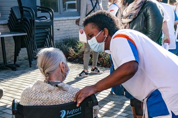 20.000 vrijwilligers gezocht om ouderen uit sociaal isolement te helpen