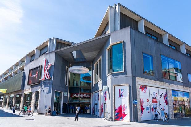 K in Kortrijk blijft niet bij de pakken zitten: lege panden origineel ingevuld