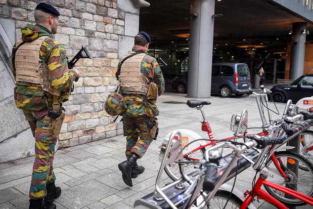 Militaire vakbonden zijn het beu: 'Haal militairen weg uit de straten'