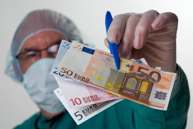 La Mutualité chrétienne veut plafonner les revenus des médecins à 290.000 euros bruts par an