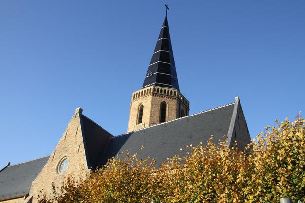 Sint-Niklaaskerk in Westkapelle luidt dagelijks de klokken voor coronaslachtoffers