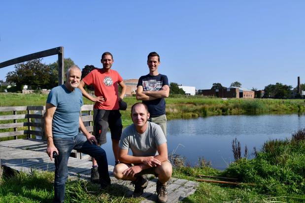 Jan Desmet geeft de fakkel in Rotersmeers door aan drie opvolgers